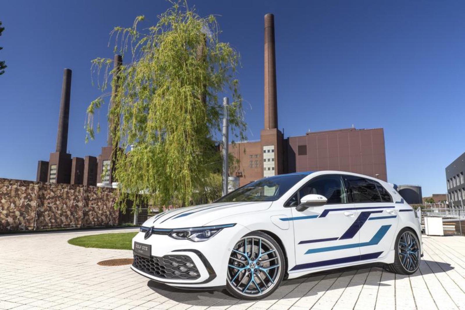 Volkswagen_Golf_GTE_Skylight-0008