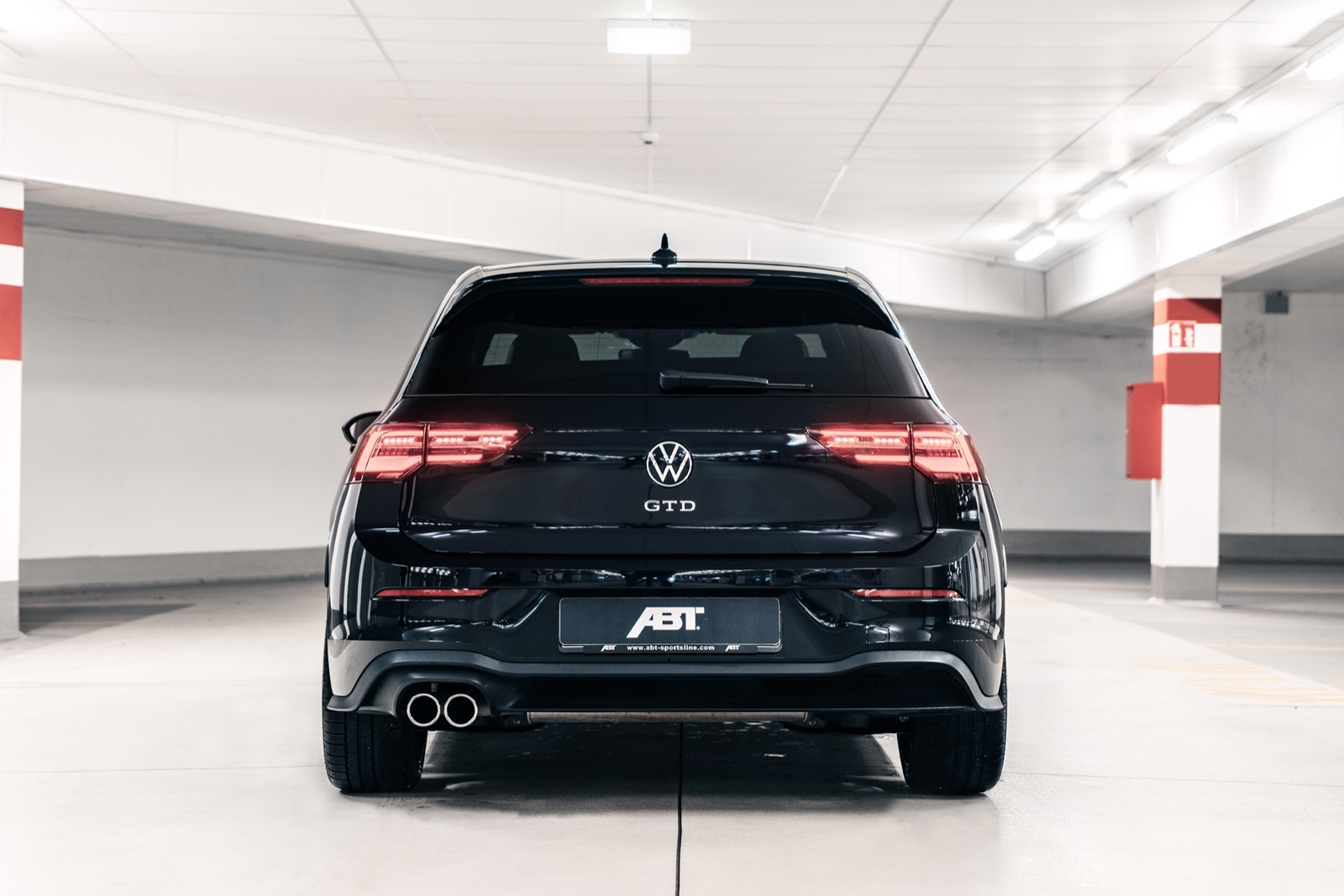 Volkswagen-Golf-GTE-ABT-Sportsline-5