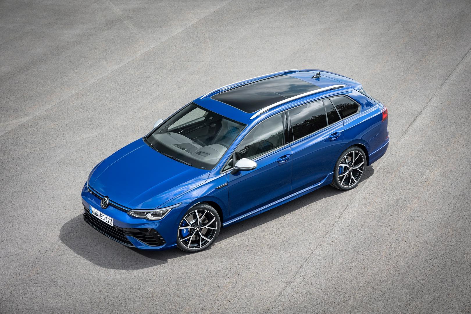 Volkswagen-Golf-R-Variant-2022-2