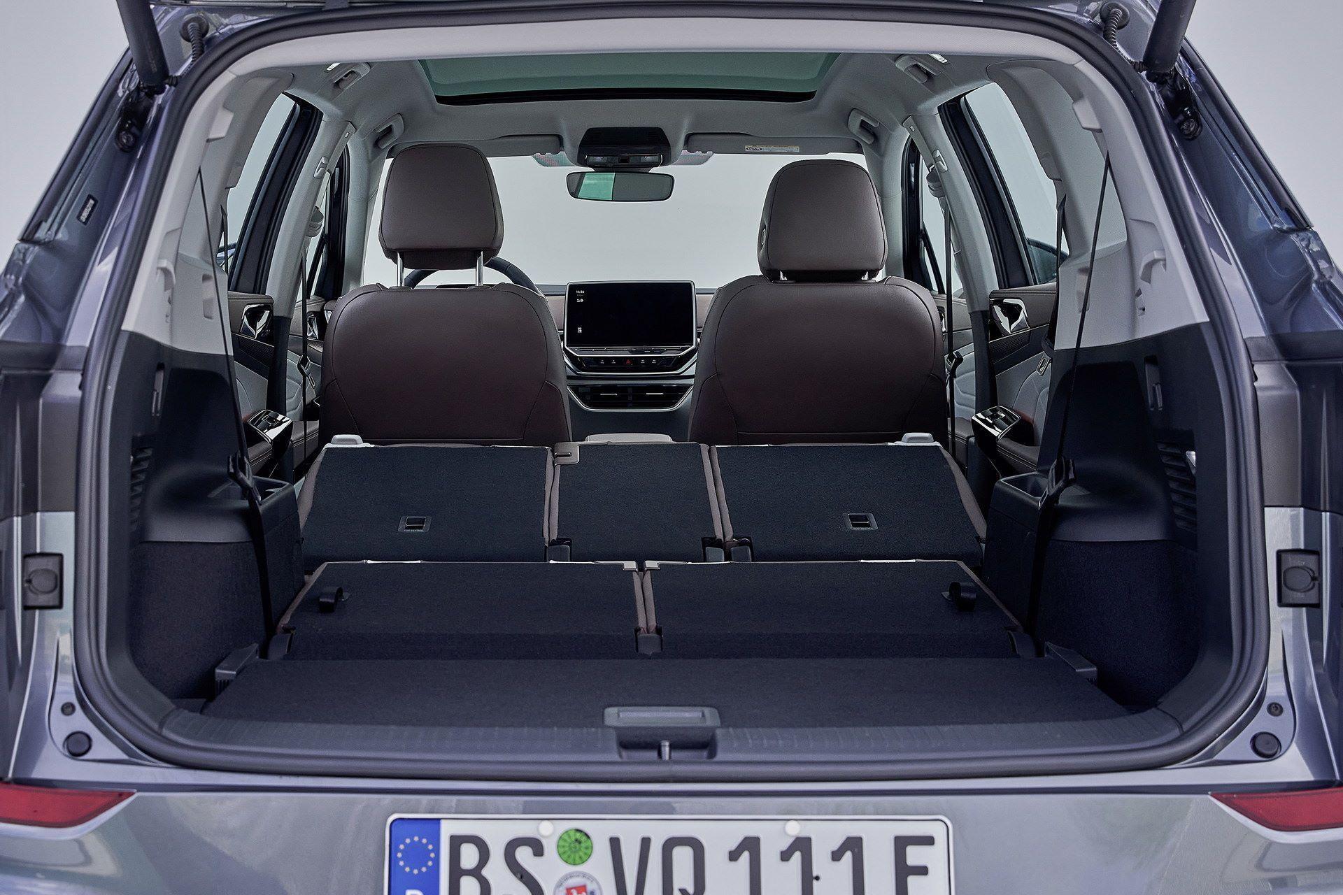 Volkswagen-ID.6-12