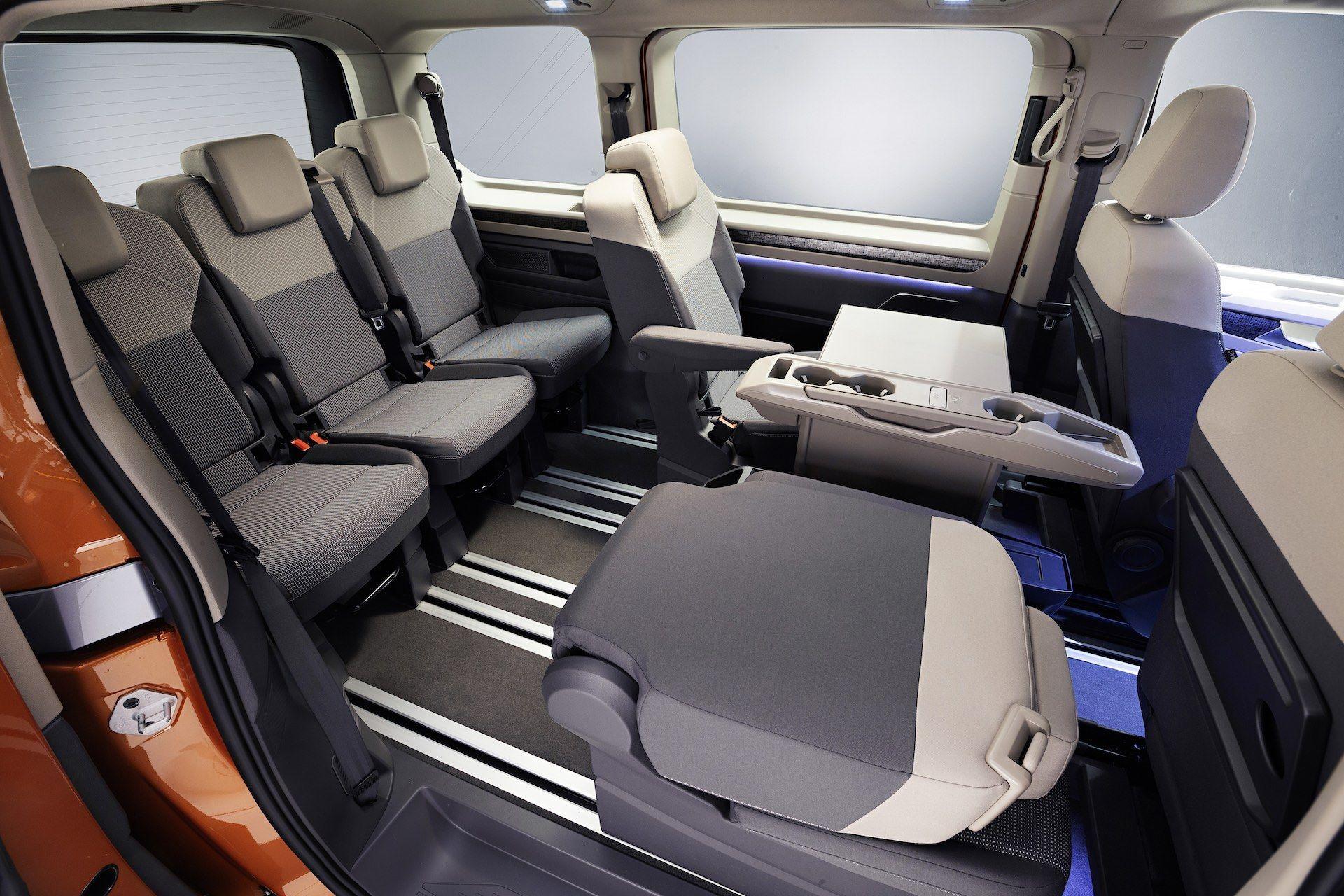 Volkswagen-Multivan-T7-10