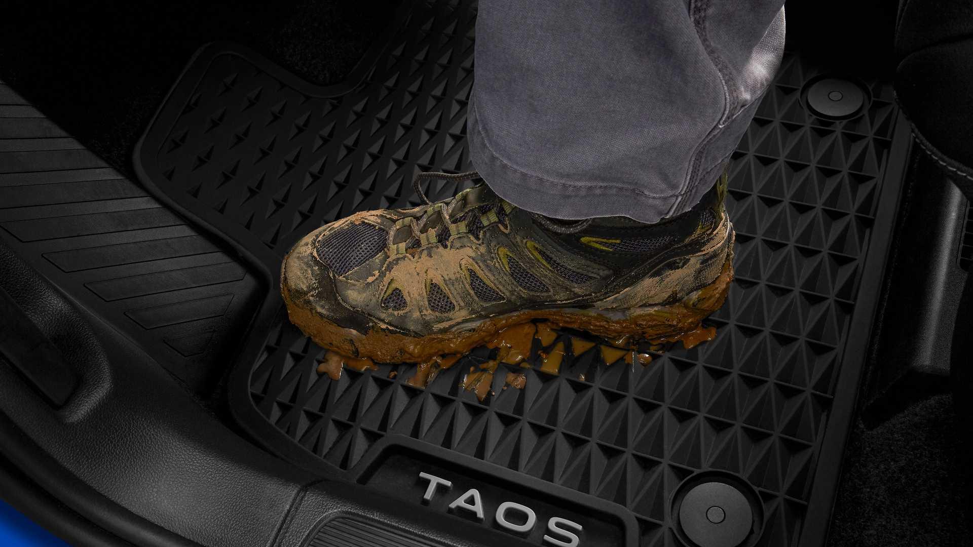 Volkswagen-Taos-Basecamp-8