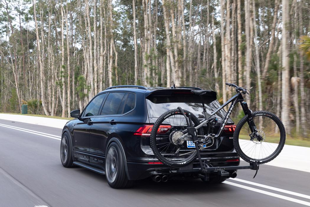 Volkswagen-Tiguan-R-Line-Black-RiNo-Concept-2