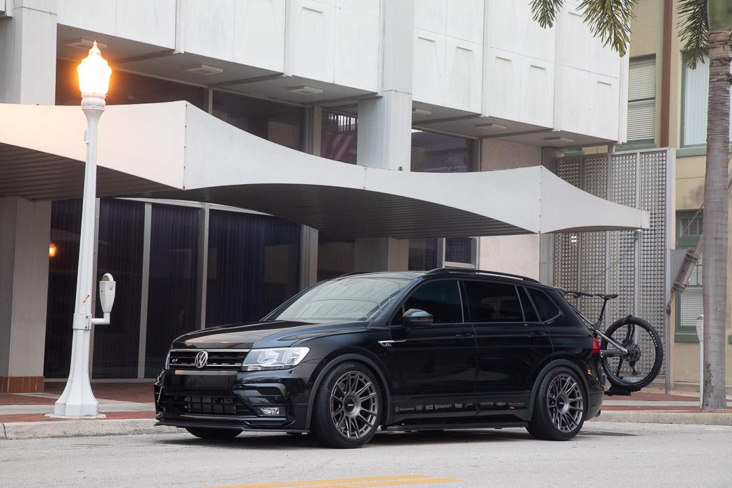 Volkswagen-Tiguan-R-Line-Black-RiNo-Concept-5