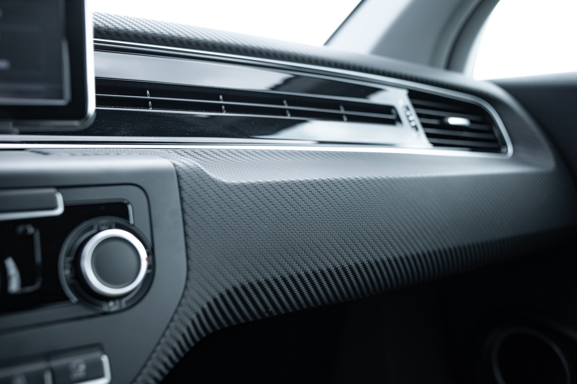 Volkswagen_XL1_sale-0006