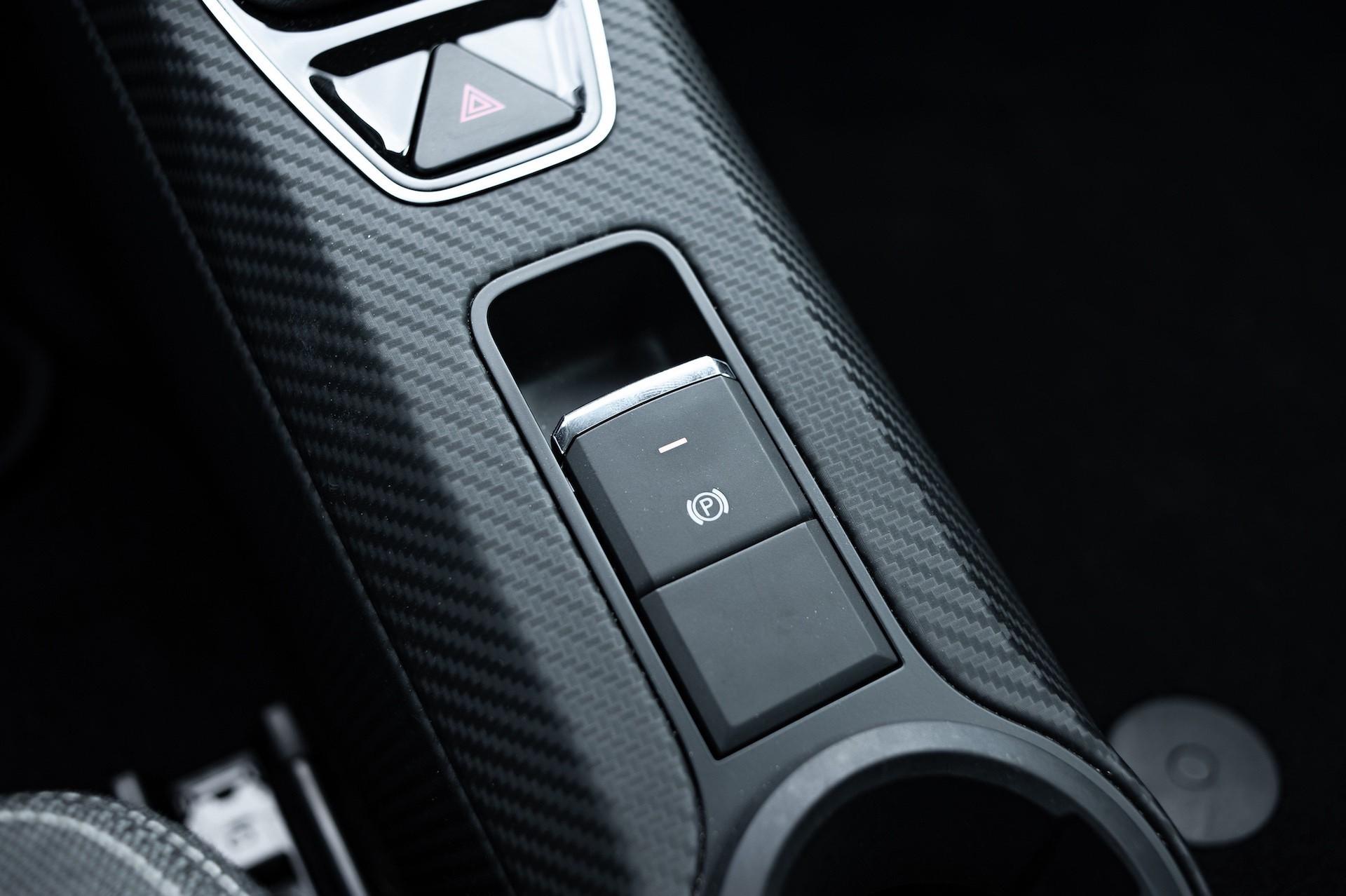 Volkswagen_XL1_sale-0010