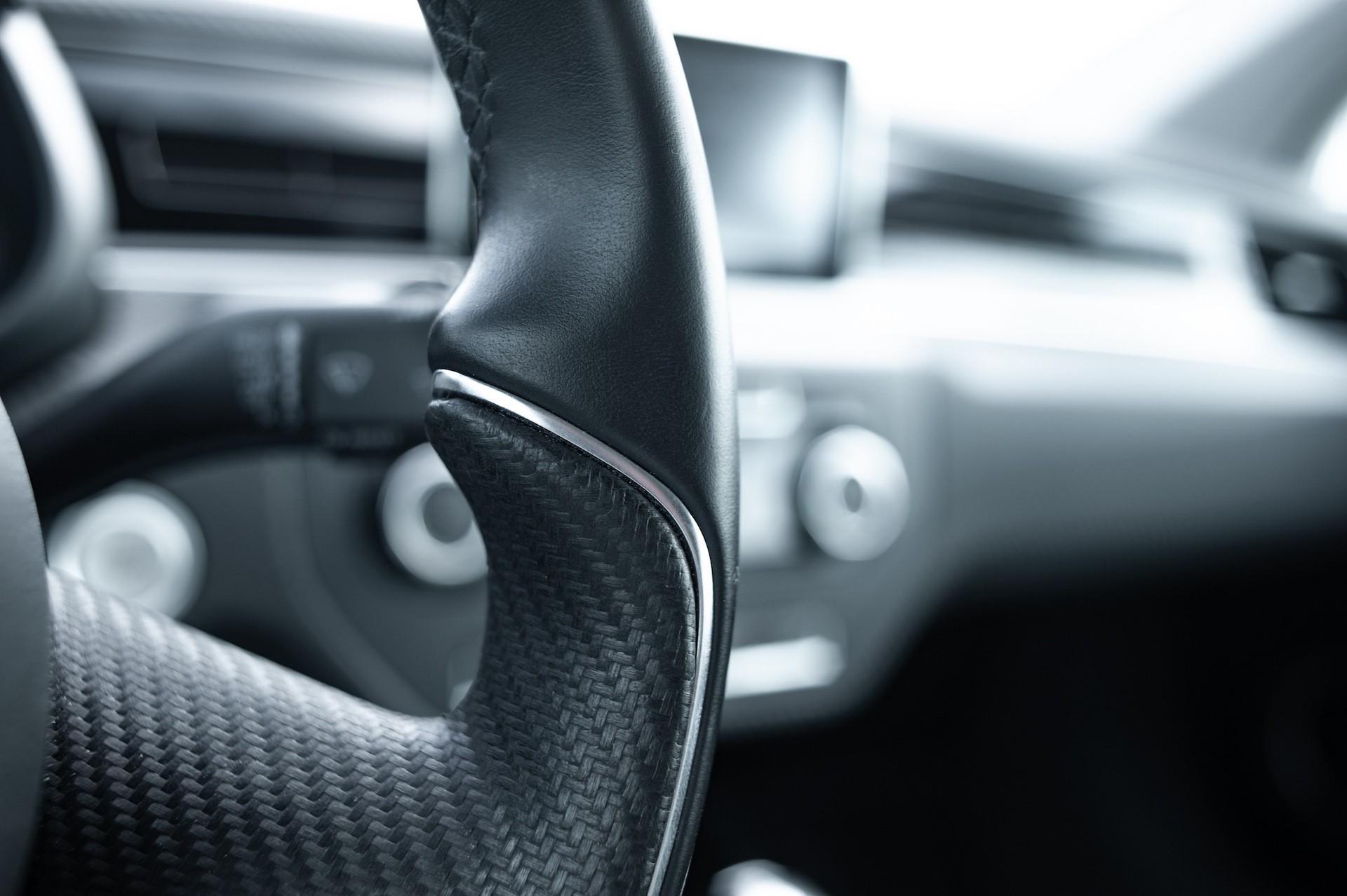 Volkswagen_XL1_sale-0014
