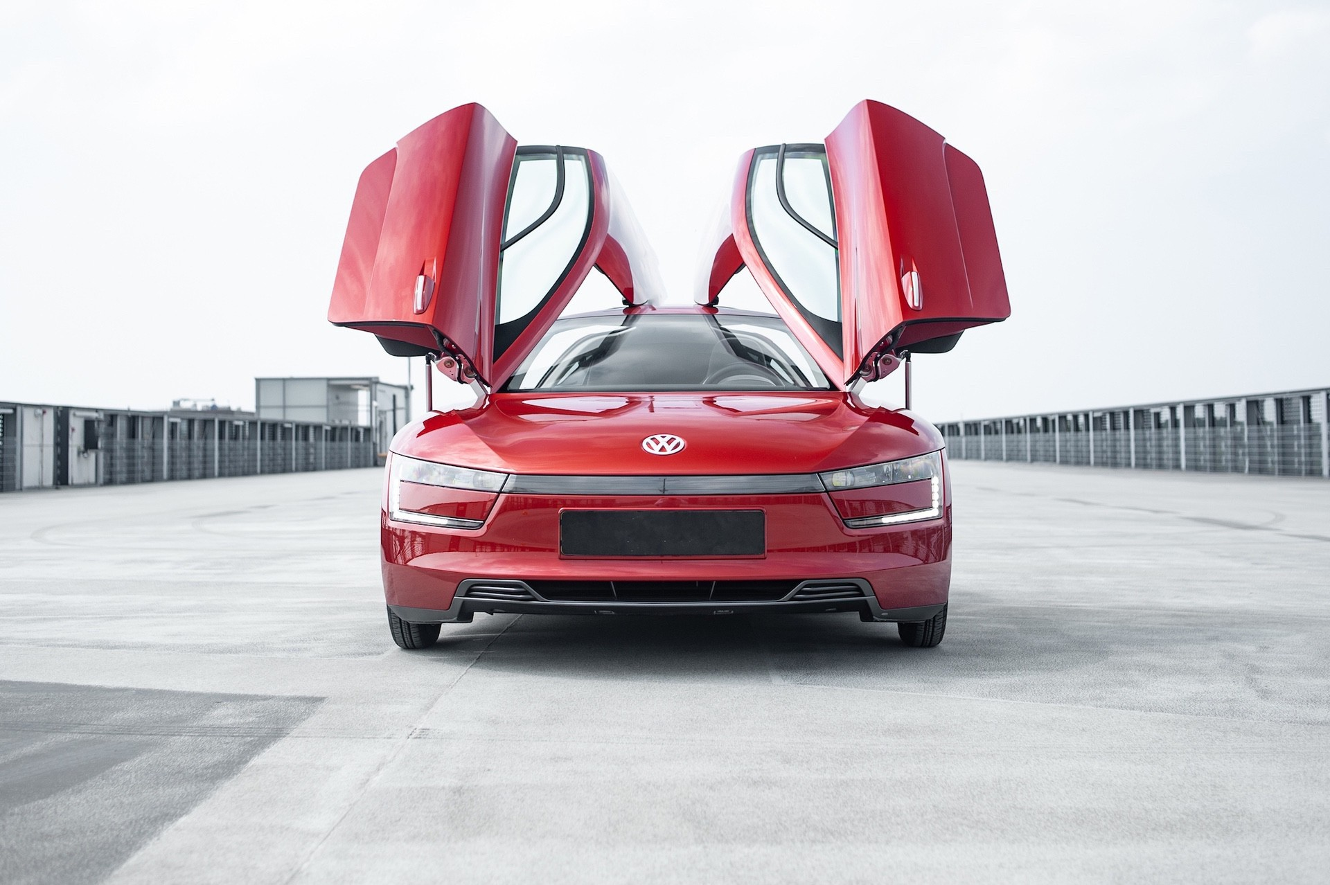 Volkswagen_XL1_sale-0021