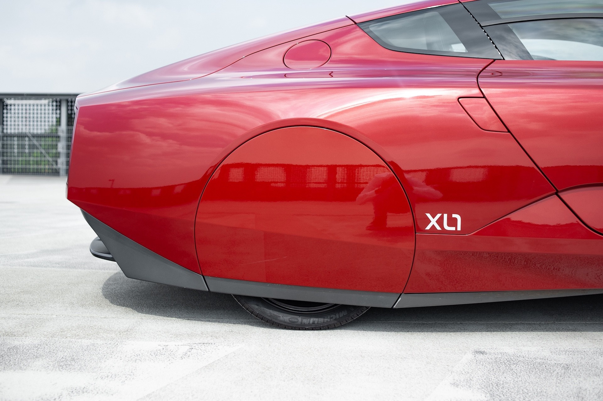 Volkswagen_XL1_sale-0027