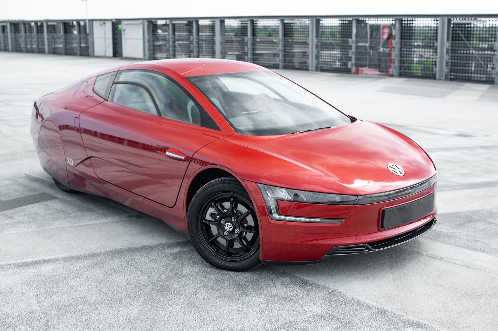 Volkswagen_XL1_sale-0033