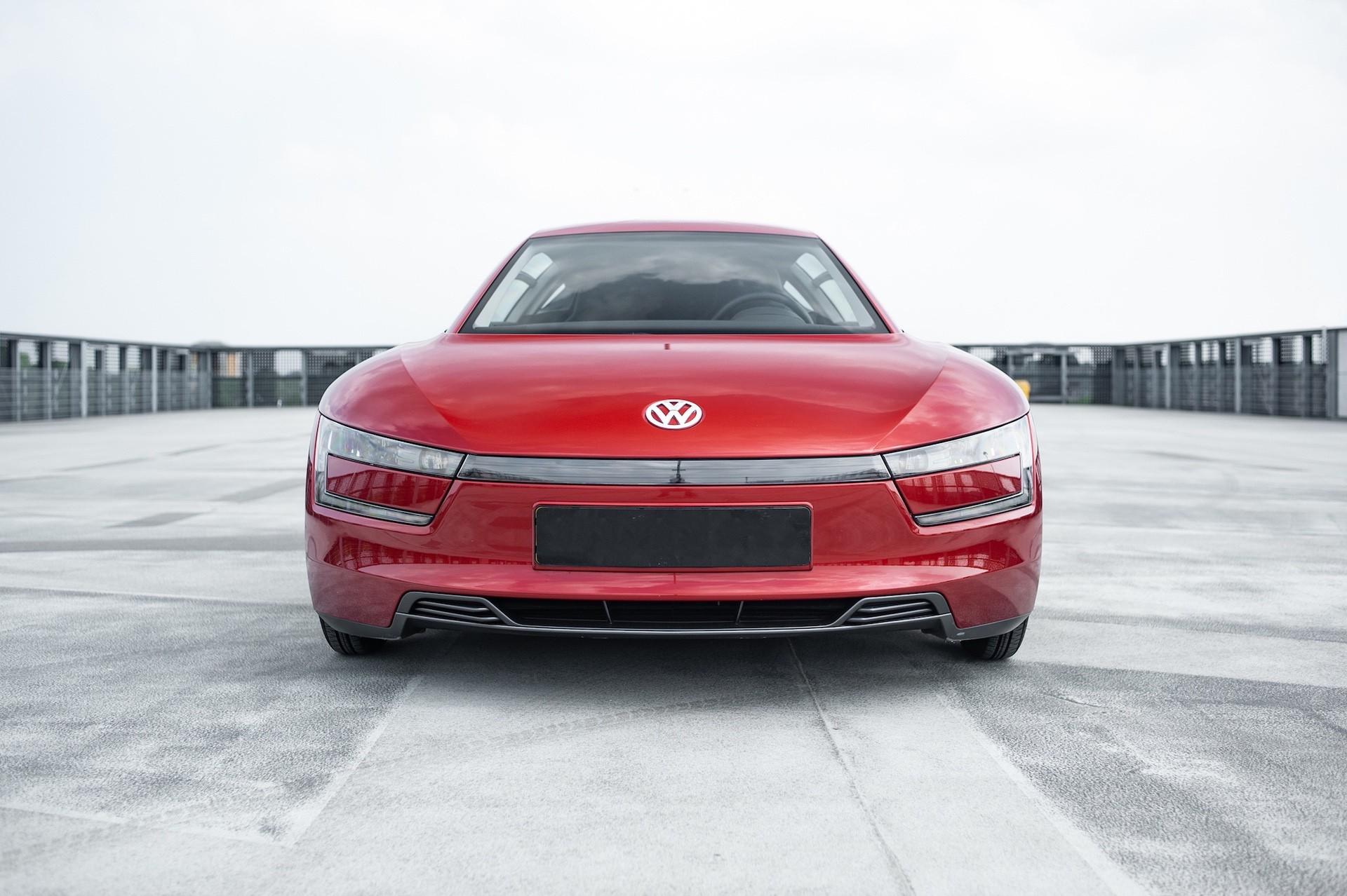 Volkswagen_XL1_sale-0038