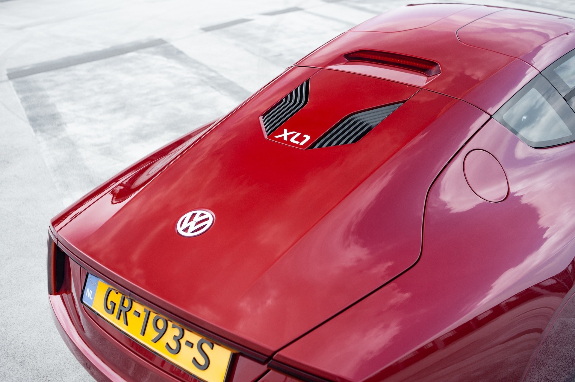Volkswagen_XL1_sale-0059