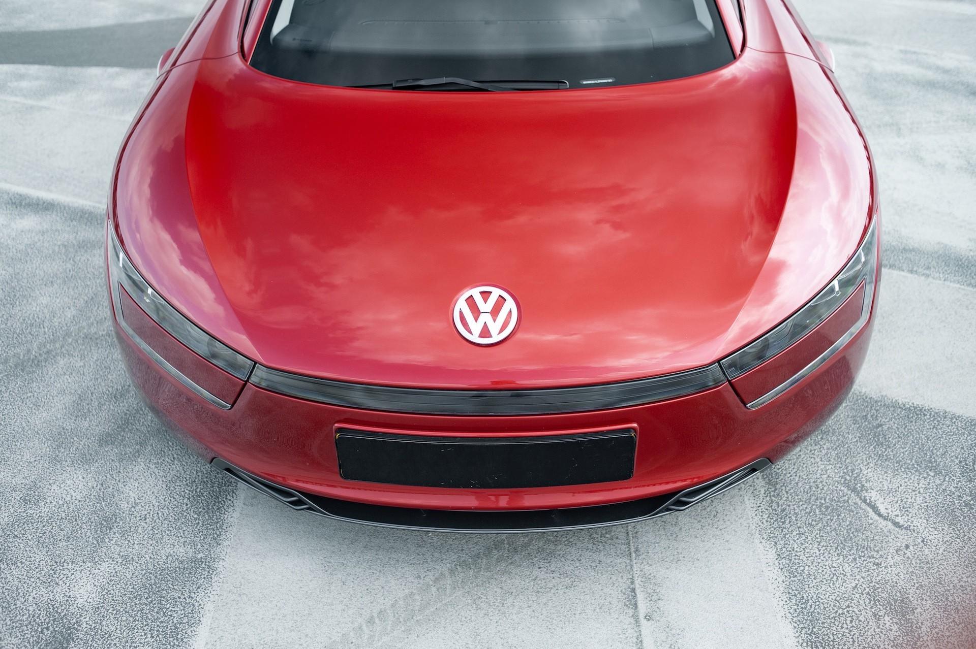 Volkswagen_XL1_sale-0064