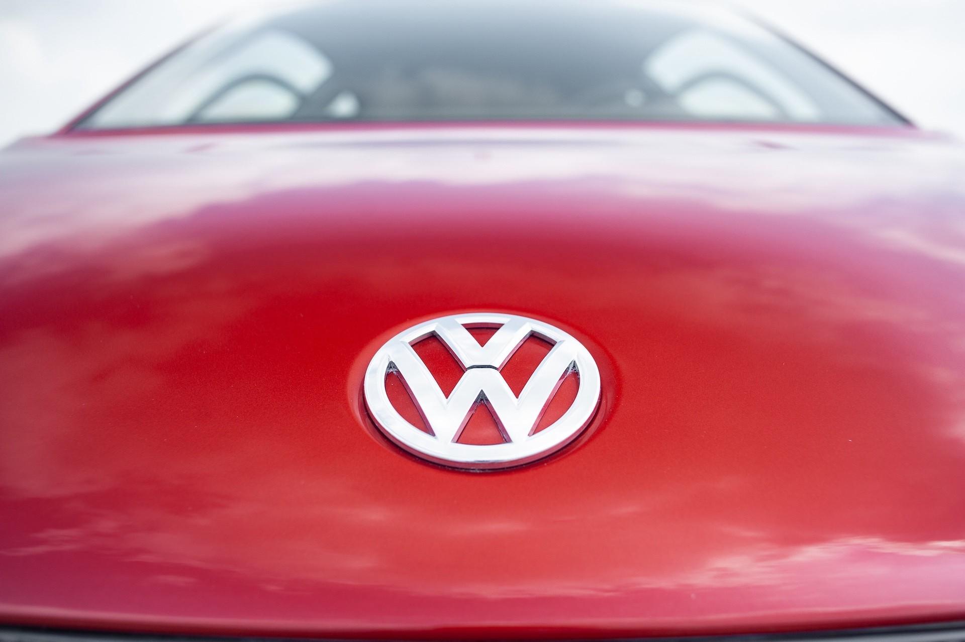 Volkswagen_XL1_sale-0074