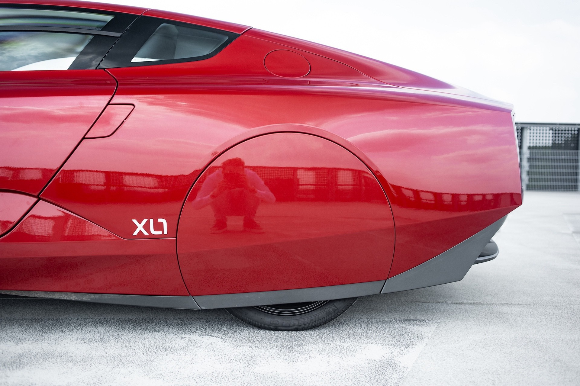 Volkswagen_XL1_sale-0076