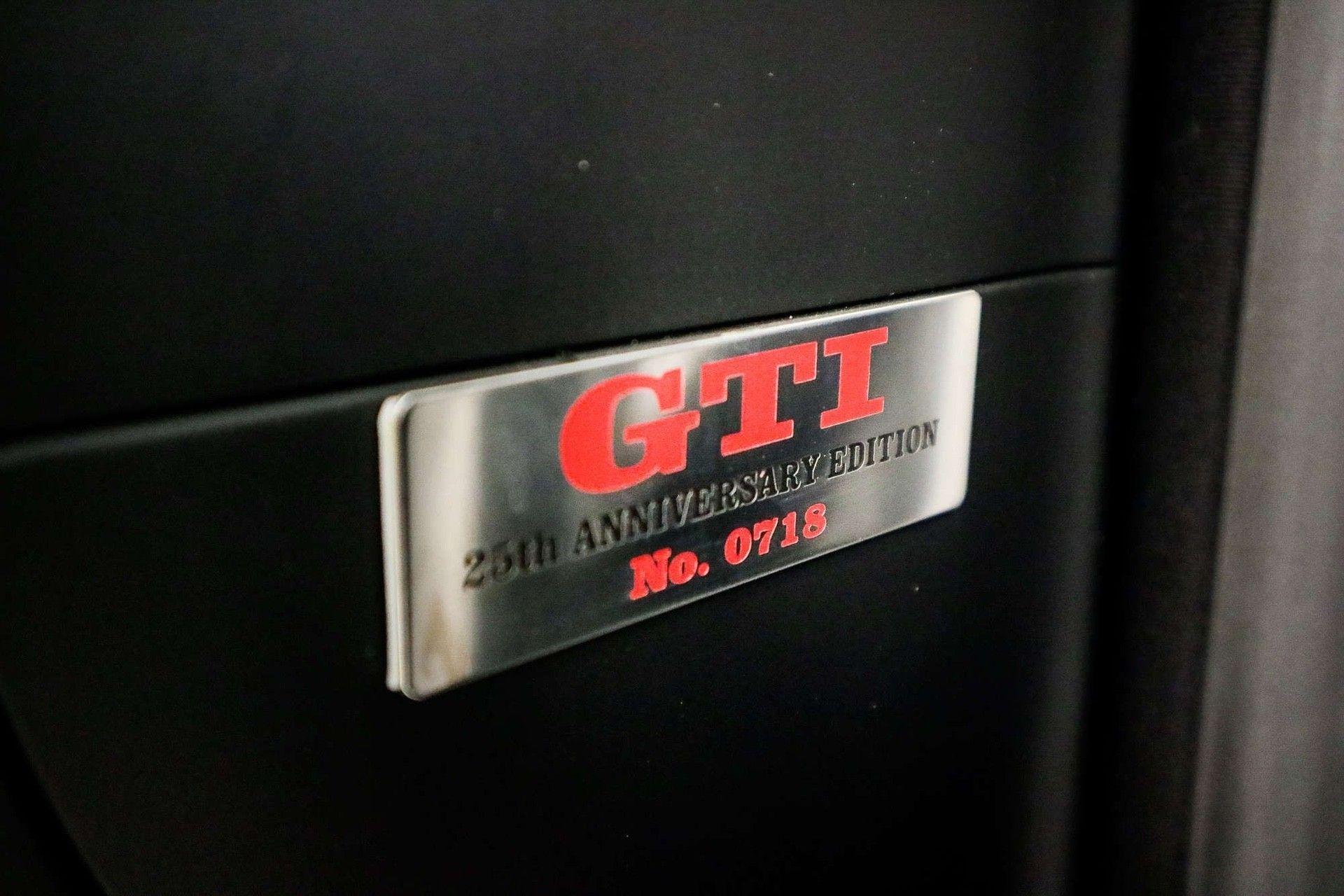 2002_VW_Golf_GTI_25th_Anniversary_Edition_sale-0010