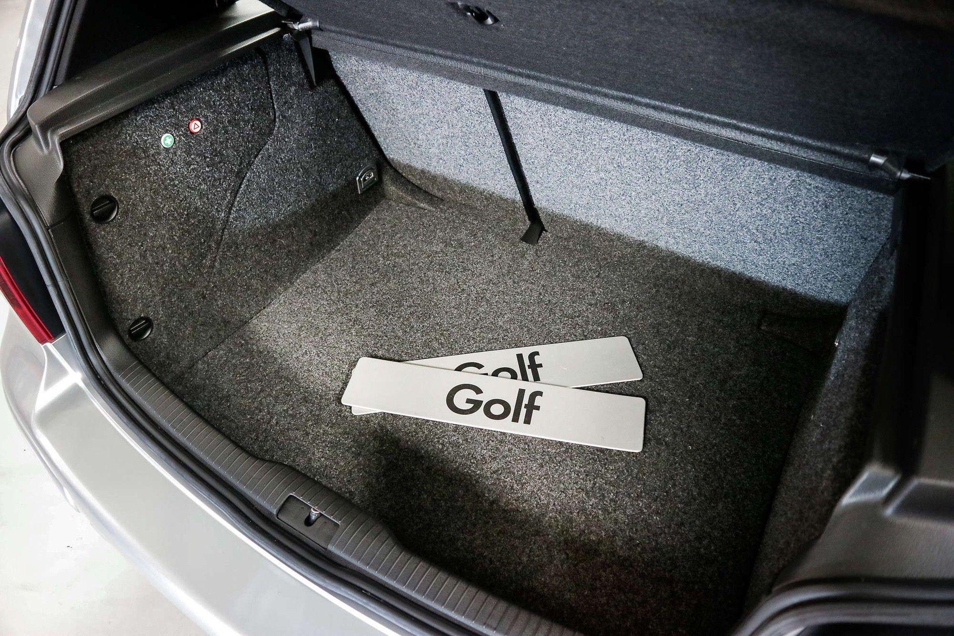 2002_VW_Golf_GTI_25th_Anniversary_Edition_sale-0013