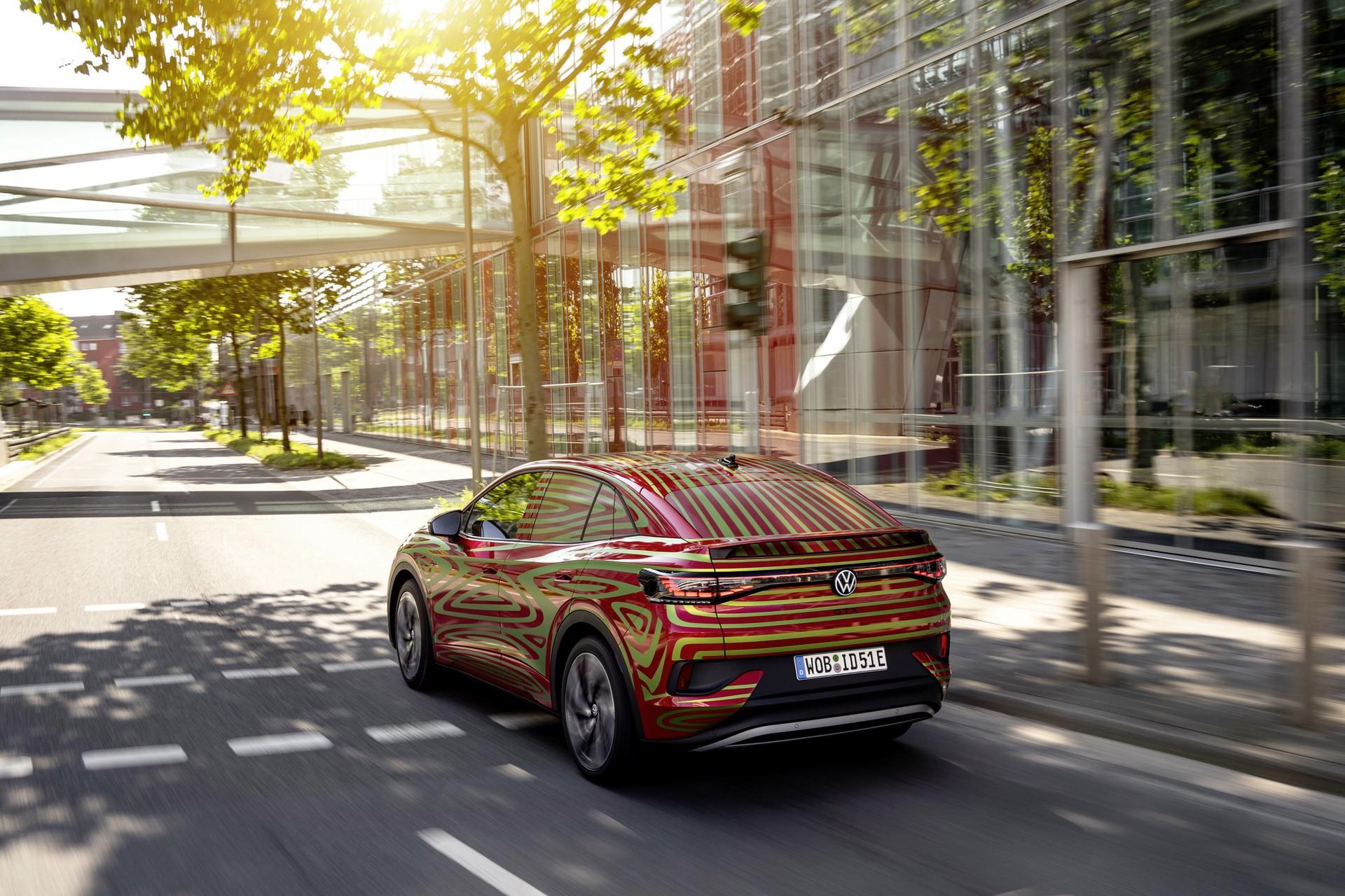 VW_ID5_GTX_teaser-0002