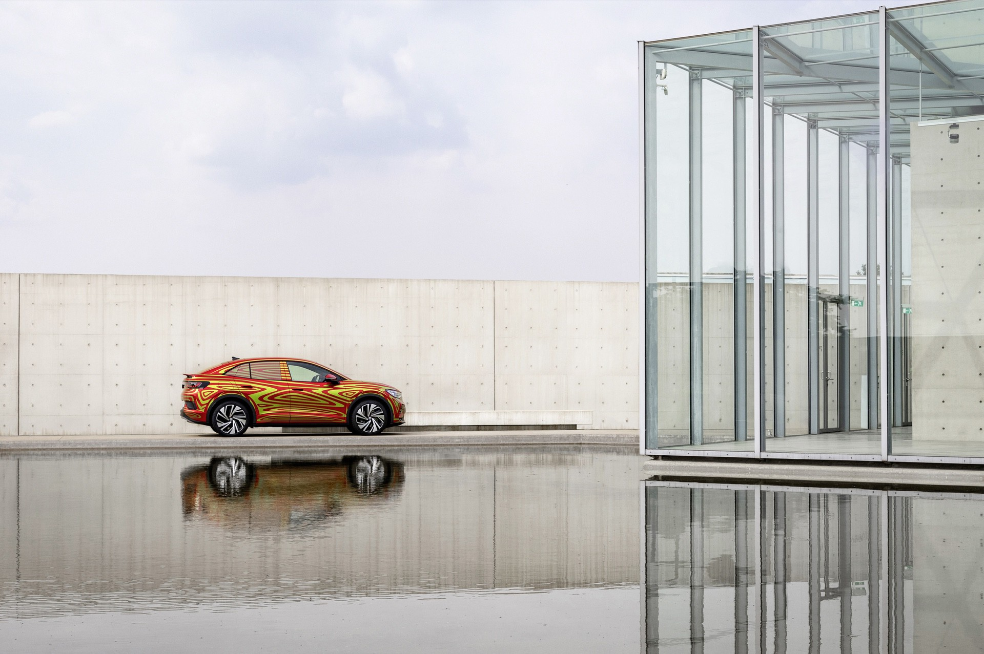VW_ID5_GTX_teaser-0010