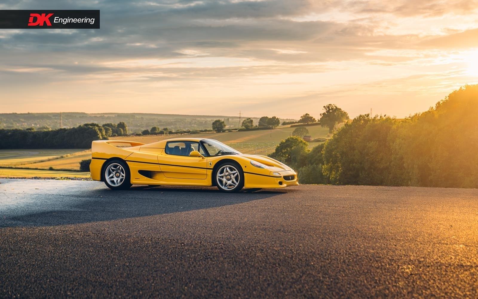 Yellow_Ferrari_Enzo_F50-0001