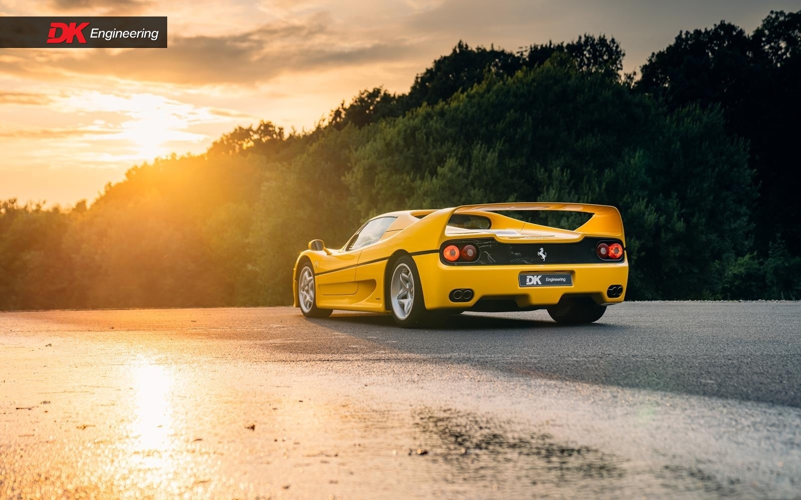Yellow_Ferrari_Enzo_F50-0002