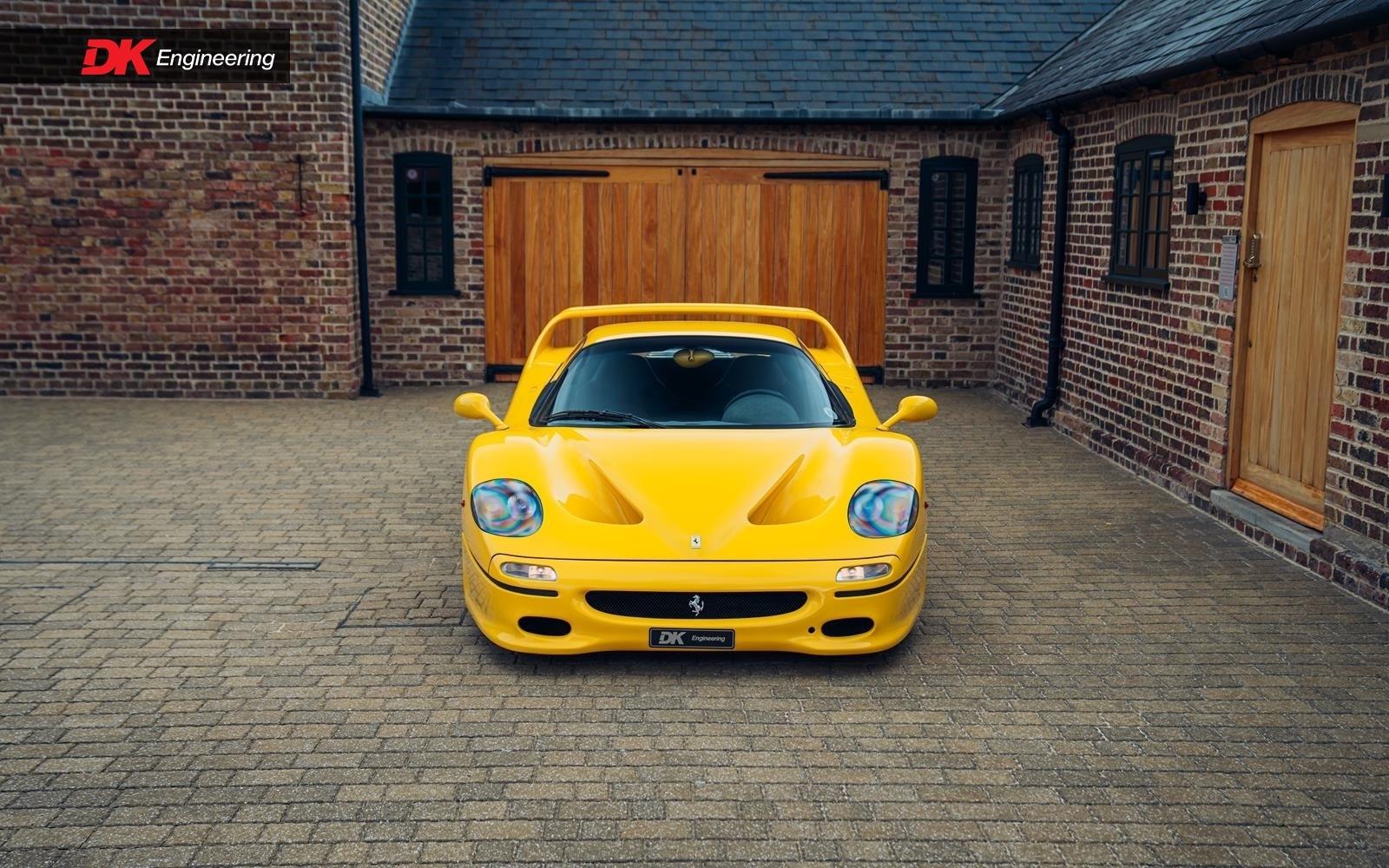 Yellow_Ferrari_Enzo_F50-0006