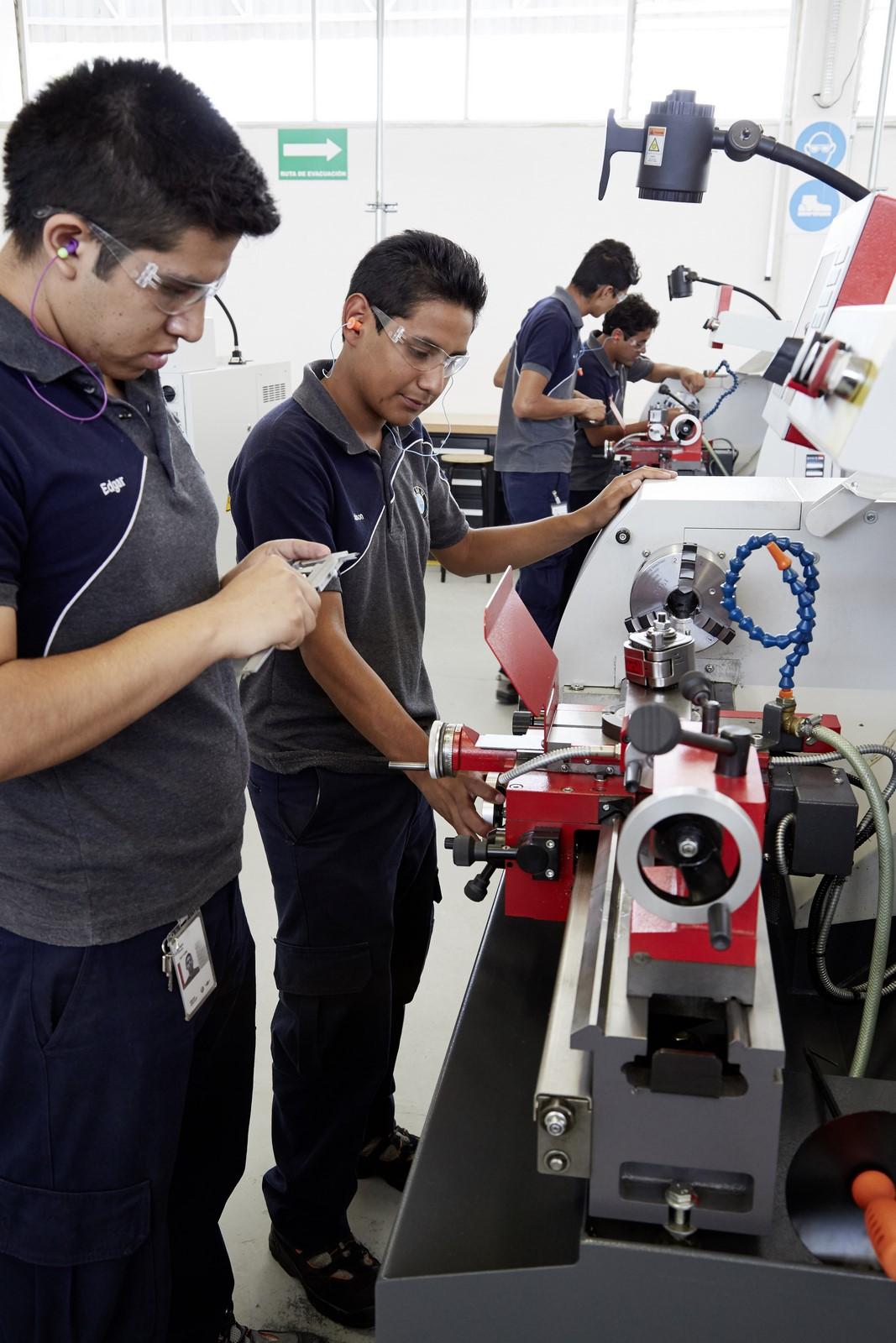 BMW Mexico Plant (12)