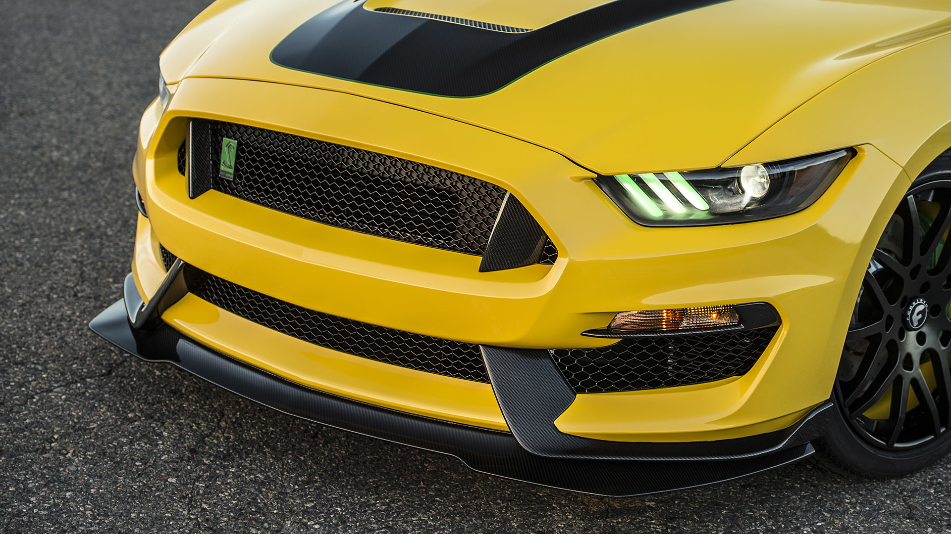 "Ford Reveals Most RaceReady and RoadLegal ""Ole Yeller"" Mustang"