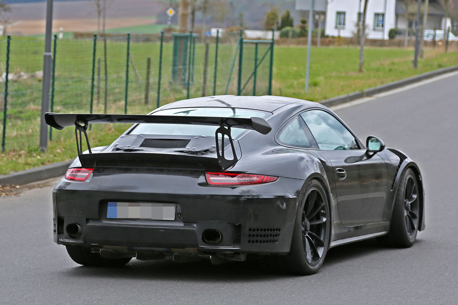 Porsche 911 GT3 RS 4.2 spy photos (12)