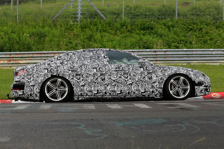 Spy_Photos_Audi_A8_Nurburgring_01
