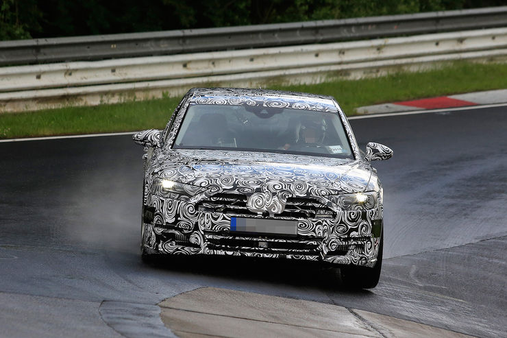 Spy_Photos_Audi_A8_Nurburgring_04