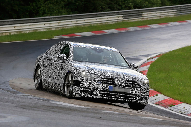 Spy_Photos_Audi_A8_Nurburgring_06