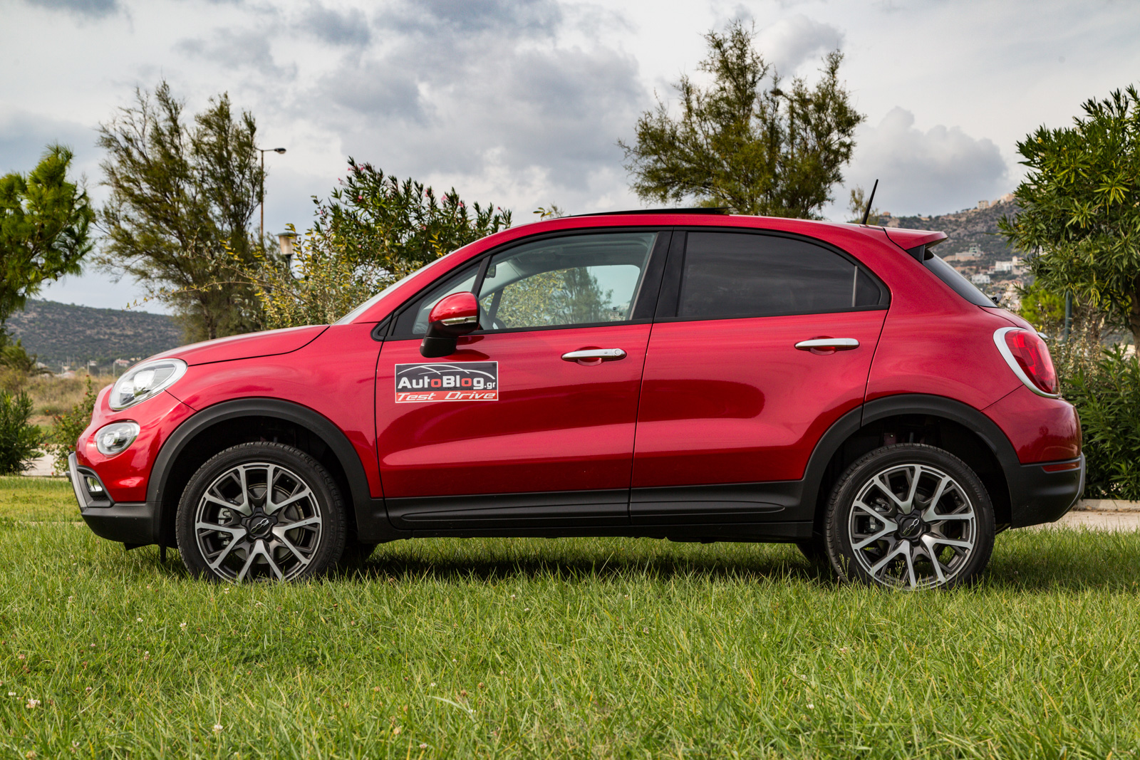 test drive fiat 500x vs jeep renegade 1 4 multiair 170 4x4 at9 8. Black Bedroom Furniture Sets. Home Design Ideas