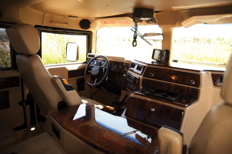 Tupac Hummer H1 in auction (13)