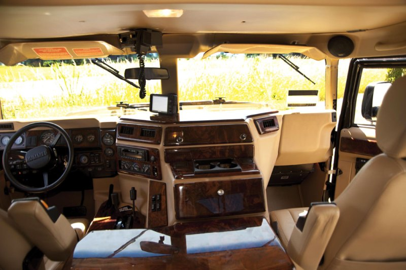 Tupac Hummer H1 in auction (16)