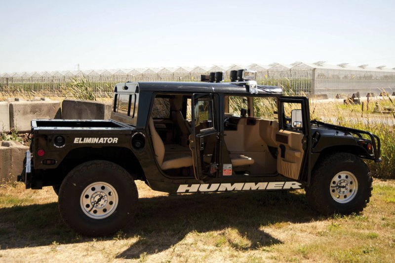 Tupac Hummer H1 in auction (20)