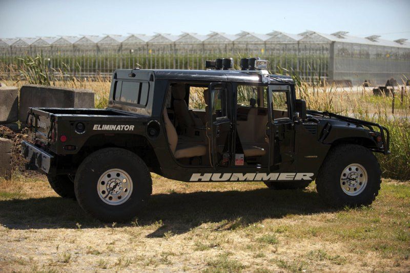 Tupac Hummer H1 in auction (3)