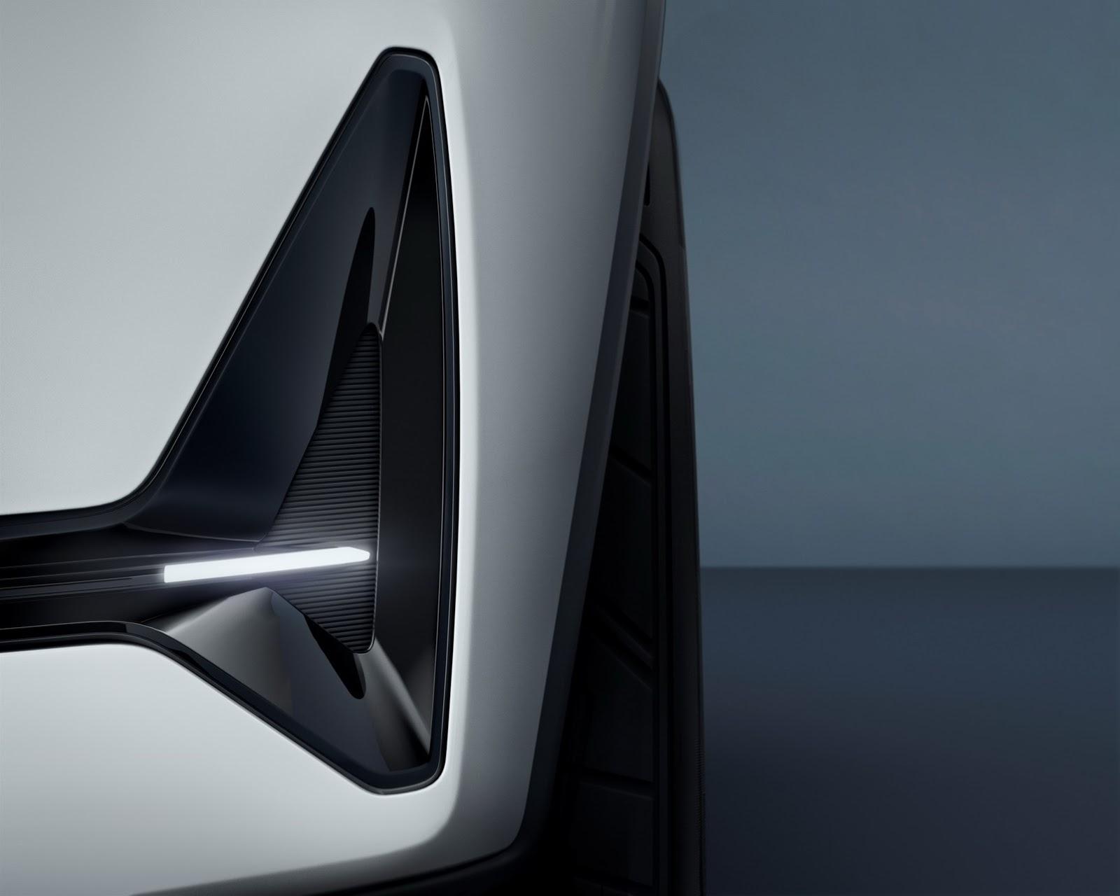 Volvo-XC40-S40-17
