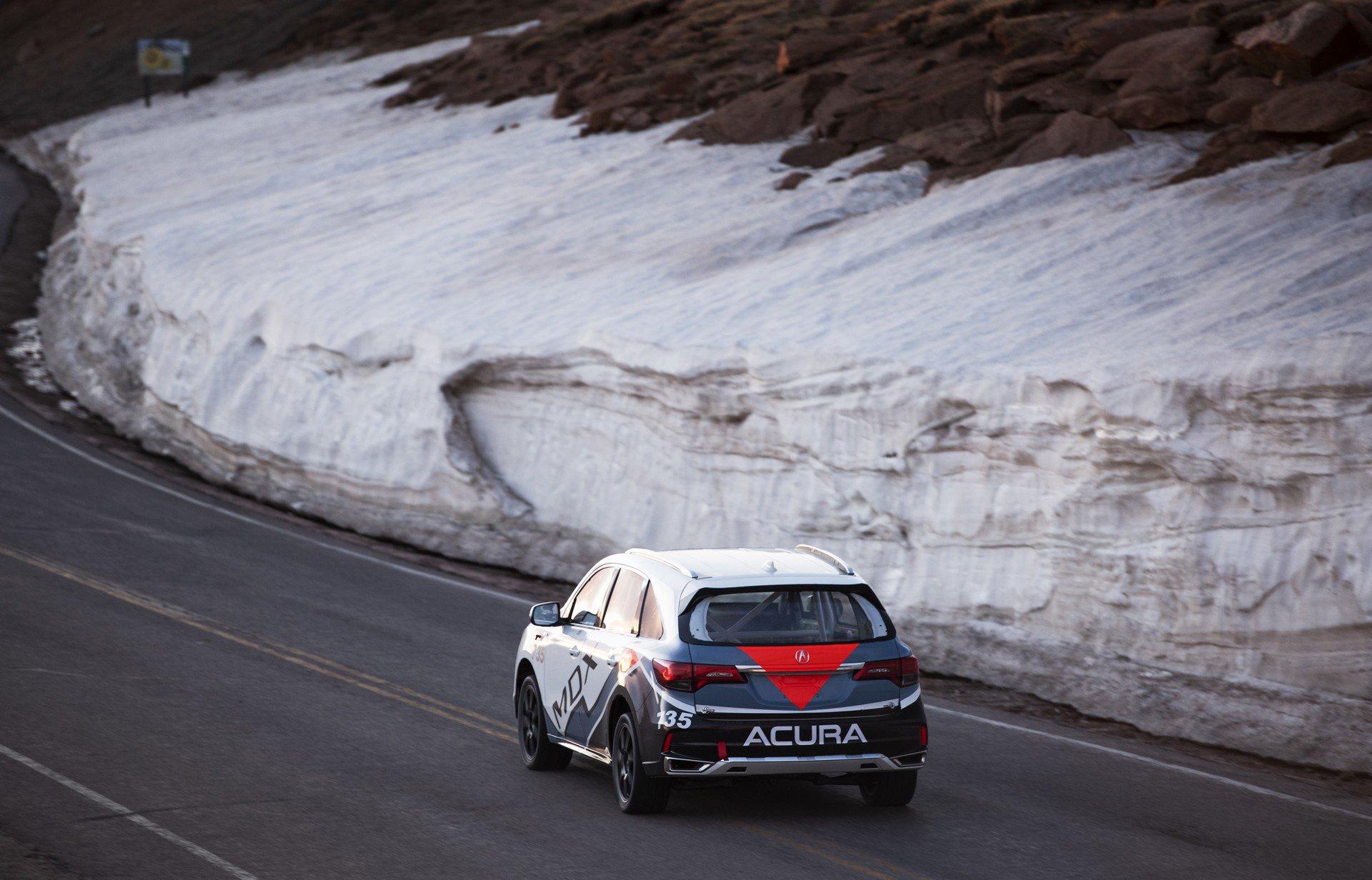 Acura-at-Pikes-Peak-International-Hill-Climb-2019-24