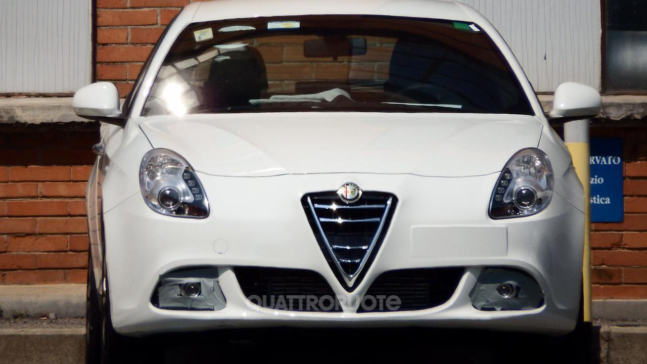 Alfa romeo giulietta facelift 2014 spy photos