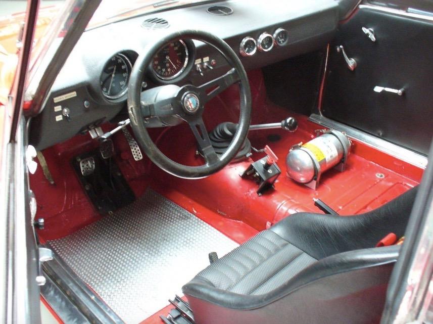 Alfa_Romeo_GTAm_05