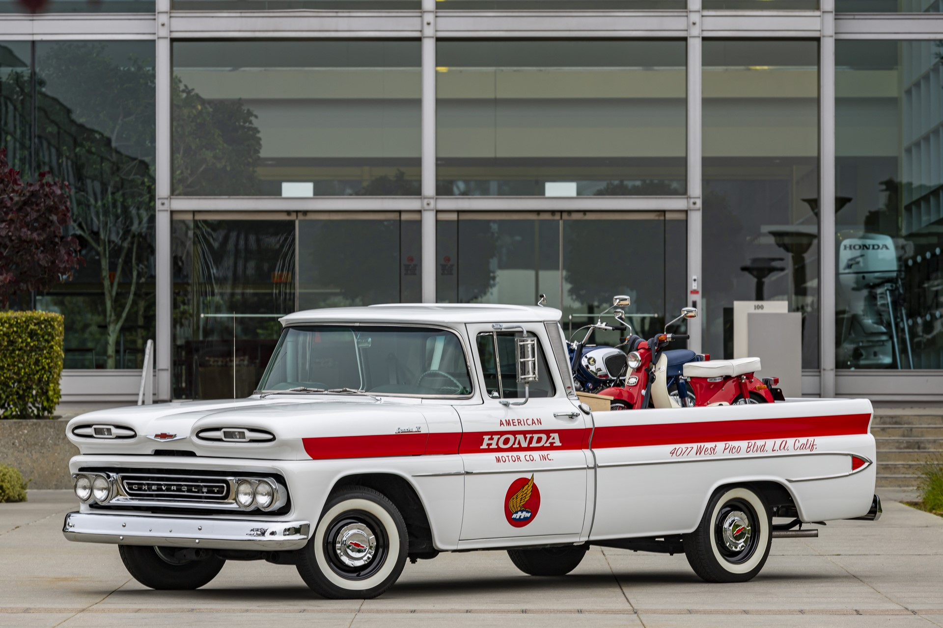 01_American_Honda_60th_Anniversary_Chevy_Delivery_Truck