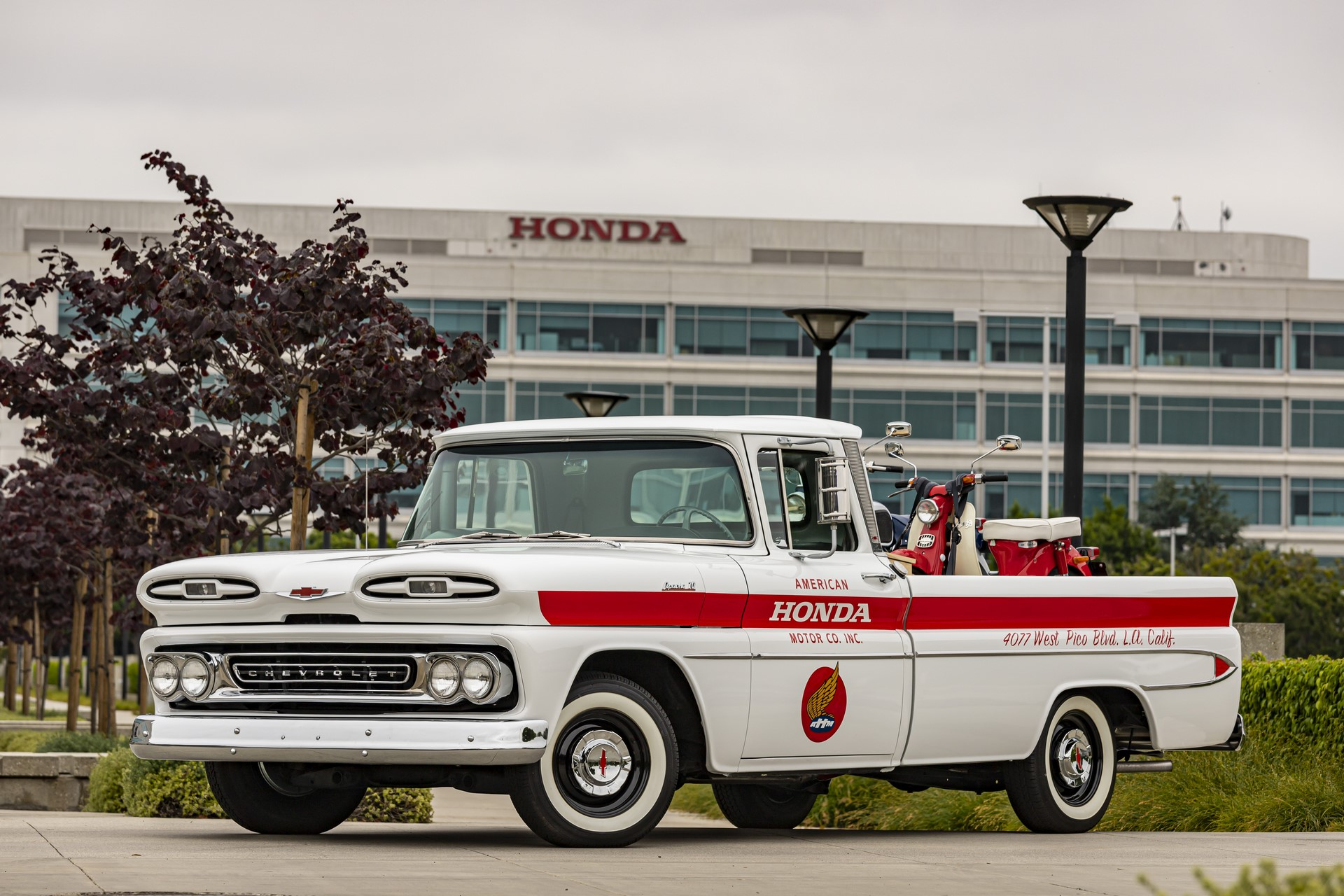 06_American_Honda_60th_Anniversary_Chevy_Delivery_Truck