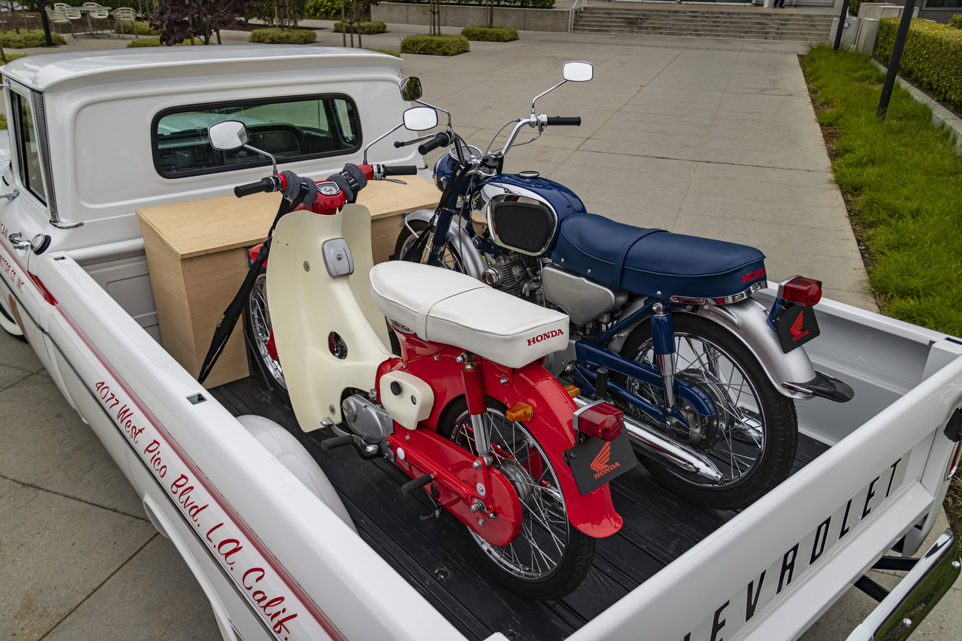 16_American_Honda_60th_Anniversary_Chevy_Delivery_Truck