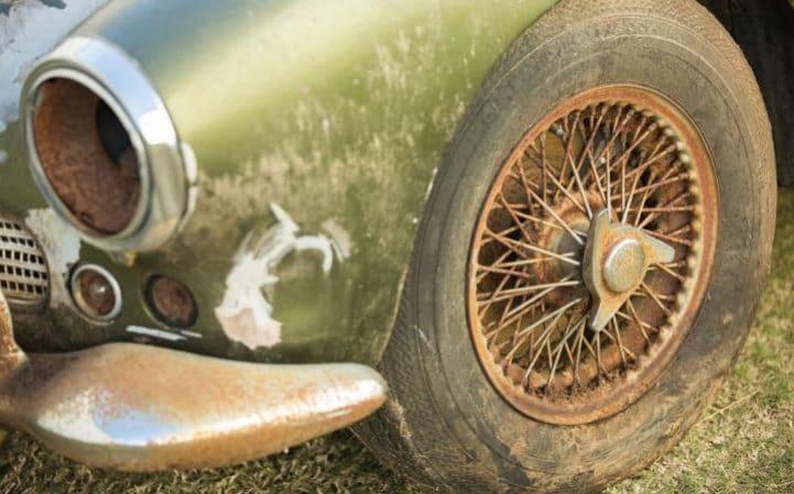 Aston-Martin-DB4-forest-found5