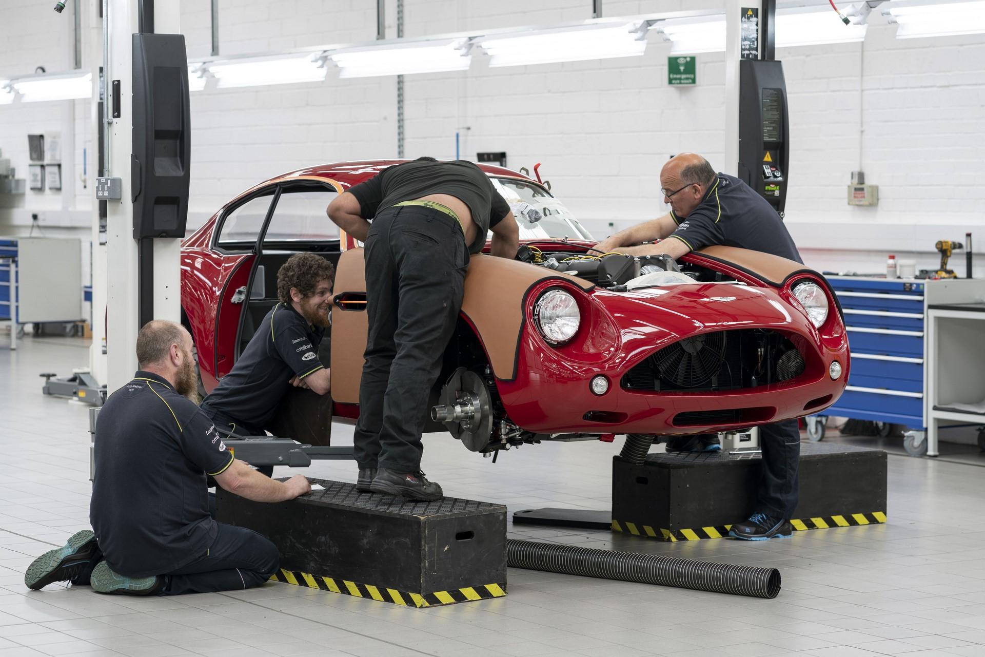 Aston-Martin-DB4GT-Zagato-Build_Newport-Pagnell_03