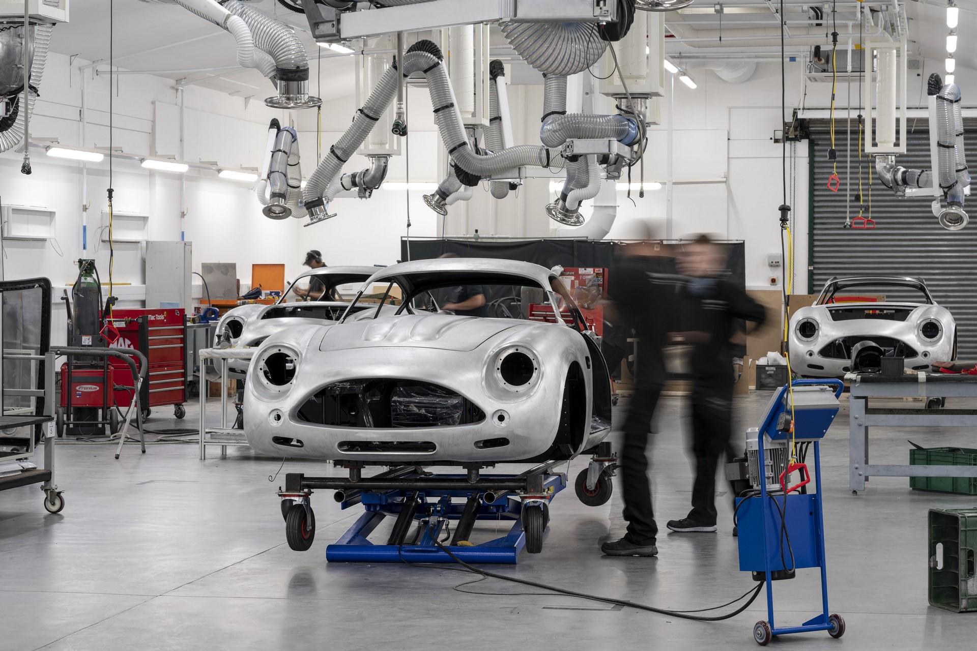 Aston-Martin-DB4GT-Zagato-Build_Newport-Pagnell_09