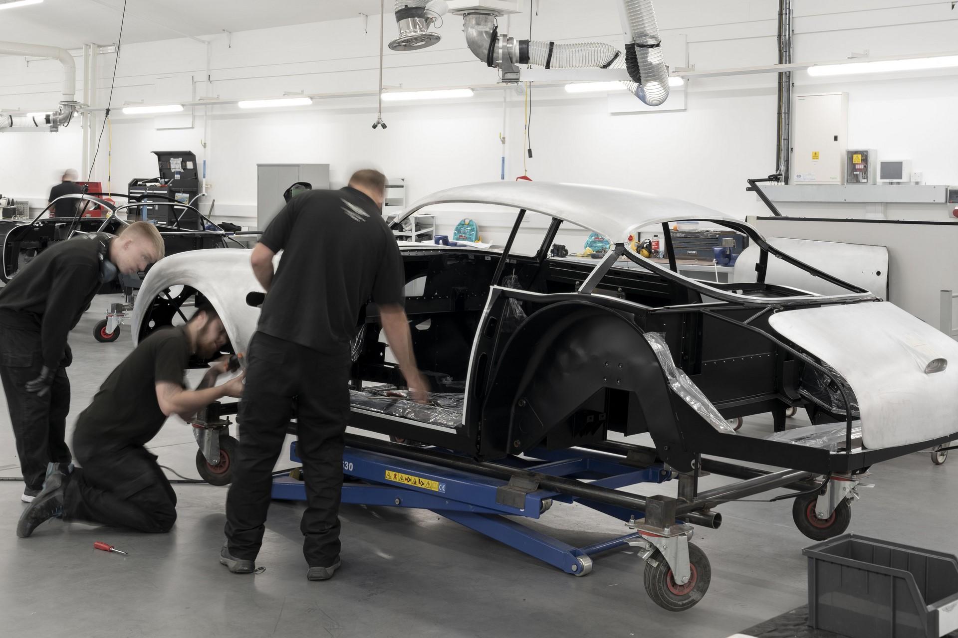 Aston-Martin-DB4GT-Zagato-Build_Newport-Pagnell_10