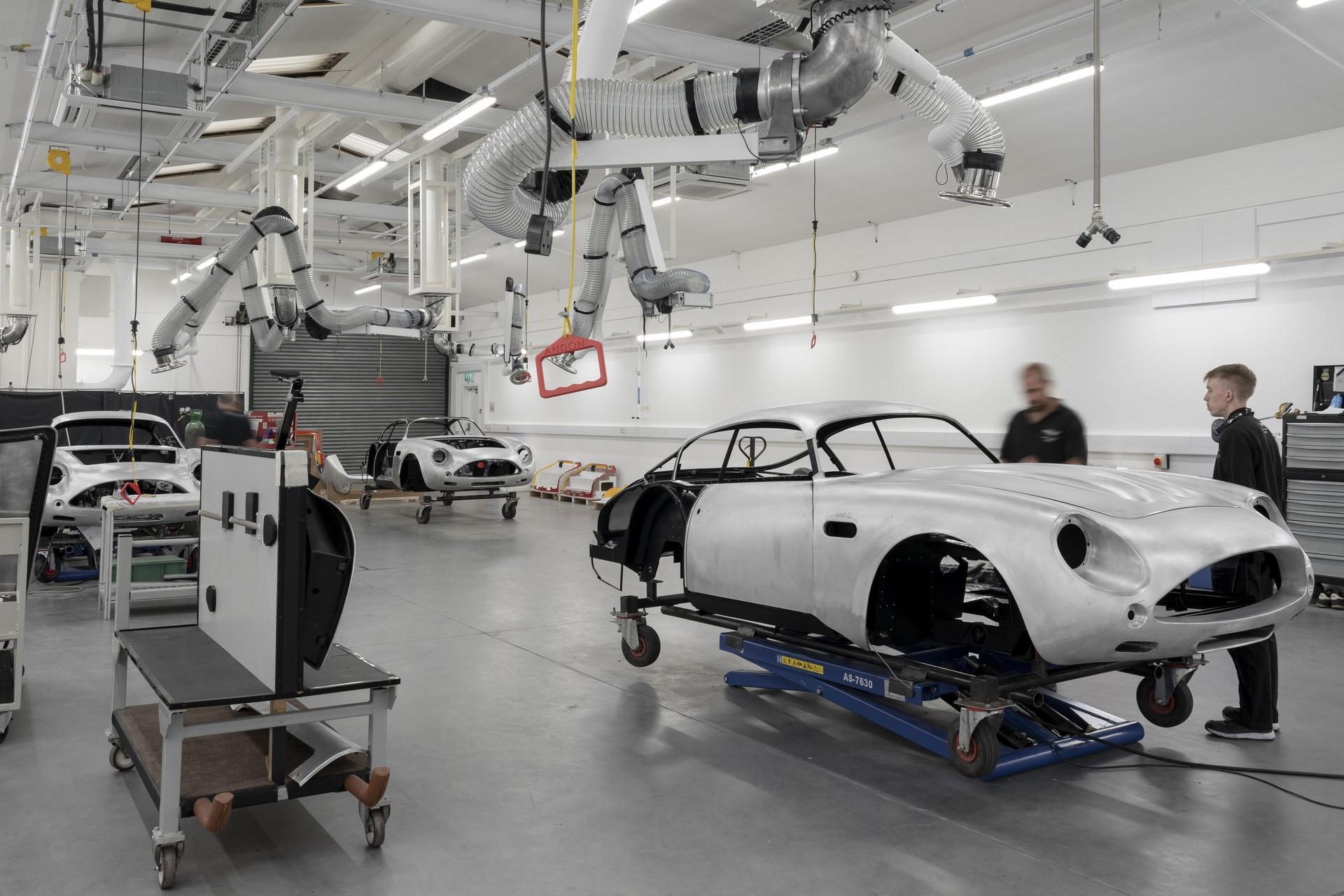Aston-Martin-DB4GT-Zagato-Build_Newport-Pagnell_11