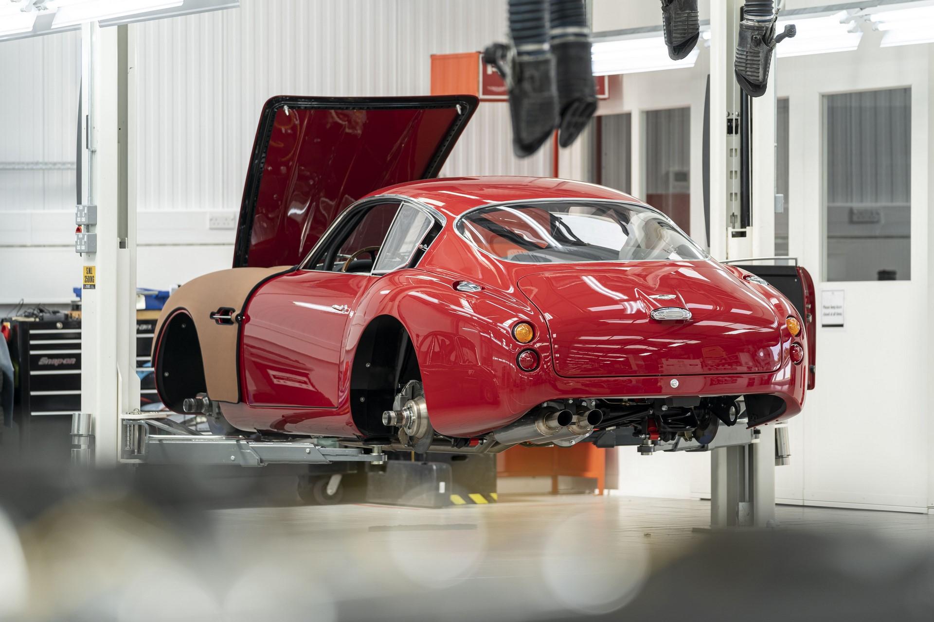 Aston-Martin-DB4GT-Zagato-Build_Newport-Pagnell_12